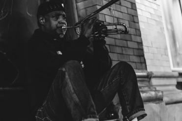 street performer, musician